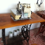 An electric/manual sewing machine.